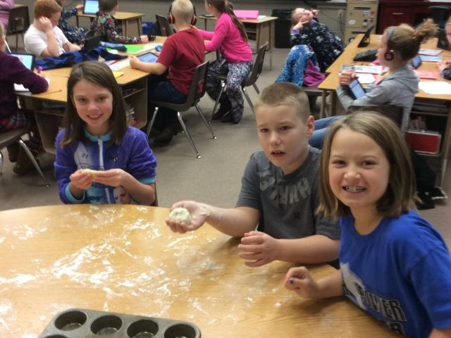 3rd Grade Bread Making 2016